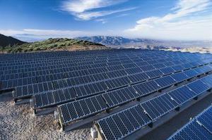 Ta reda på hur många watt du behöver för att driva ditt hem med solpaneler