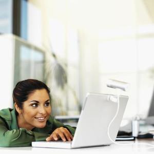 Hur du visar en webbkamera med MSN Messenger på en Mac
