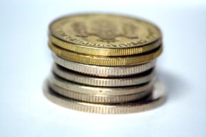 Hur berätta om ett mynt är förfalskad?