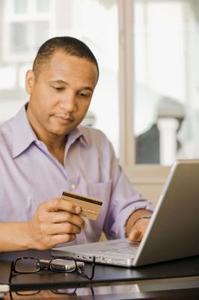 Kan du få pengar från ett American Express-kort?