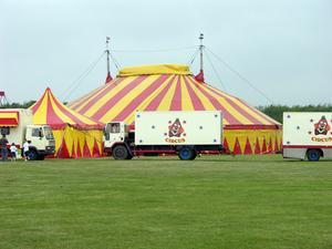 Hur man skapar en cirkus tema bakgrund