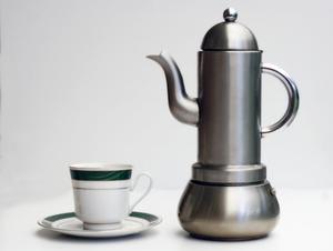 Tips för rengöring en rostfritt stål kaffekanna