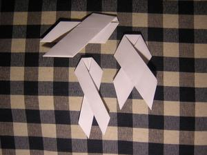 Hur man gör en Origami Awareness Ribbon
