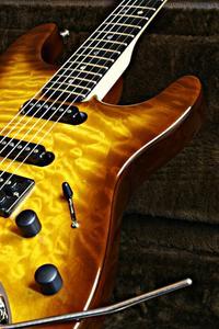 Skillnaden mellan elektriska & semi akustiska gitarrer