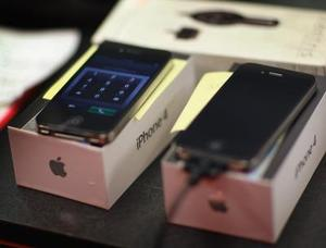 Hur att ladda en iPhone att inte vända på