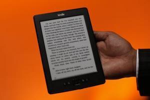 Hur man läser tidigare köpt böcker om en ny Kindle