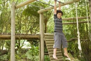 Jungle gym & apa barer för barn