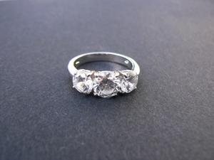 Hur man löser en antika pussel Ring