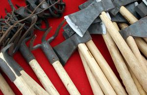 Hur man identifierar antika primitiva verktyg