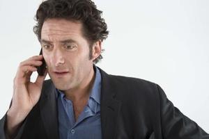 Hur man gör ett samtal men Visa en annan Caller ID-nummer på telefonen