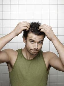 Typer av medicinska schampo för hårbotten klumpar