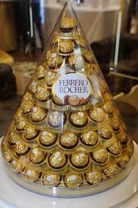 Hur man gör en Ferrero Rocher julgran