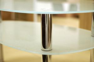 Hur att reparera repor i glas bordsskivor