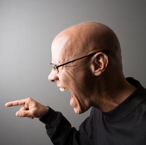 Vilka är symtomen av verbala övergrepp?