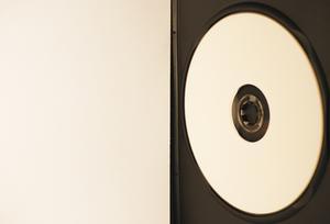 Hur du gör din egen DVD-etiketter med fall