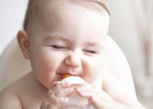 Tecken på uttorkning i baby