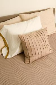 Hur bli av dammkvalster på säng kuddar