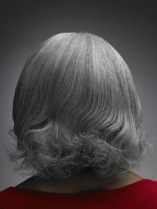 Hur att lysa och liva upp tråkig, grå hår