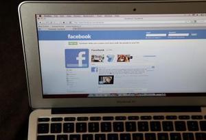Hur du dra tillbaka inbjudan vänner till evenemang på Facebook