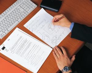 Hur man skriver en affärsrapport analys