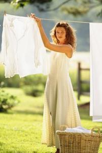 Bleka vita kläder med ättika