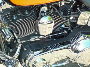 Hur du ändrar din olja på en Yamaha 2006 Roadstar 1700