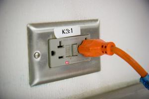 OSHA elektrisk sladd inspektion krävs färger