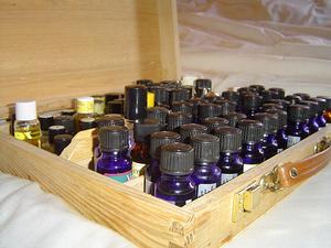 Att göra parfym med eteriska oljor