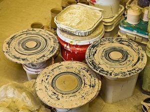 Om keramiska mögel att göra leveranser