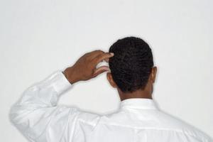 Vad är orsakerna till torra vita fläckar på huden med klåda?