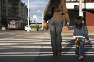Hur att lära barn hur man använder övergångsställe