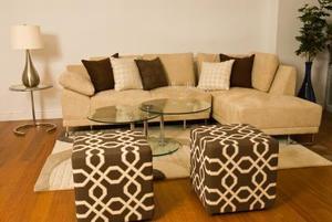Hur att dekorera en soffa & kärlek stol