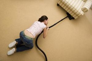Hur man dödar vägglöss i stoppade möbler