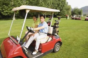 Hur man rengör rörliga kopplingen på en golfbil