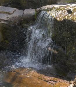 Effekterna av klor på vatten ledningsförmåga