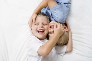 Vad orsakar hicka efter skrattar?