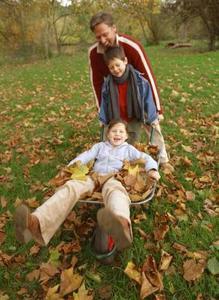 Hur att hålla barnen aktiva under hösten