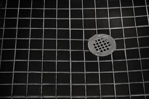 Ett ruttet ägg lukt i dusch avlopp