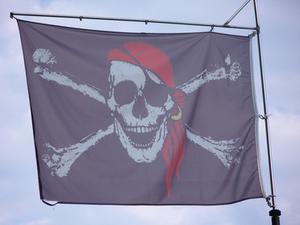 Hur man gör en Tri-hörnet Pirate Hat