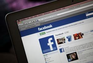 Hur man loggar in på Facebook utan att andra människor ser du det