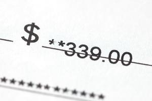 Hur får man en personlig check inkasserades om du inte har ett bankkonto