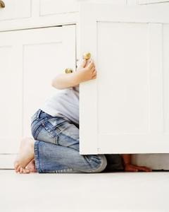 Hur att reparera och göra skåpdörren nära jämnt enkelt billigt