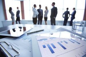 Hur man skriver en anställd värdering rapport