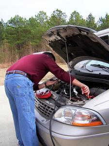 Felsökning av en Auto batteriet laddas ur